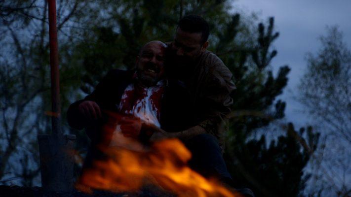 Etienne Lejeune (Homme mystérieux) et Anthony Molina-Diaz (Brendeul) dans BOLDIOUK & BRADOCK